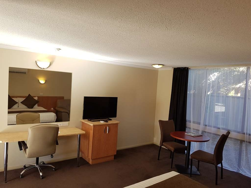 Best Western Chaffey International Motor Inn - Executive King Room
