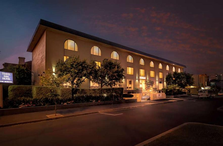 Best Western Plus Travel Inn Hotel - Aussenansicht