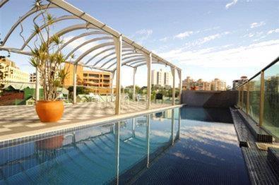 Best Western Astor Metropole Hotel & Apartments - Poolansicht