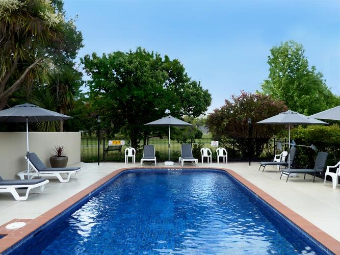 Best Western Beechworth Motor Inn - Swimming Pool