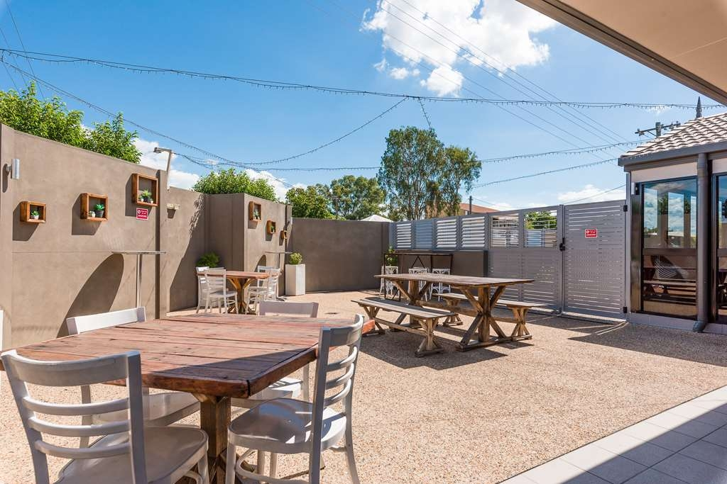 Best Western Plus The Stirling Rockhampton - Outside Courtyard Area