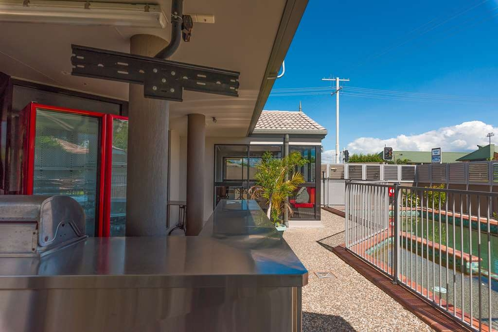 Best Western Plus The Stirling Rockhampton - Pool and Function Area