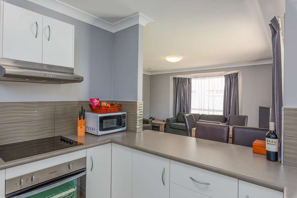 Best Western Plus The Stirling Rockhampton - Apartment Kitchen