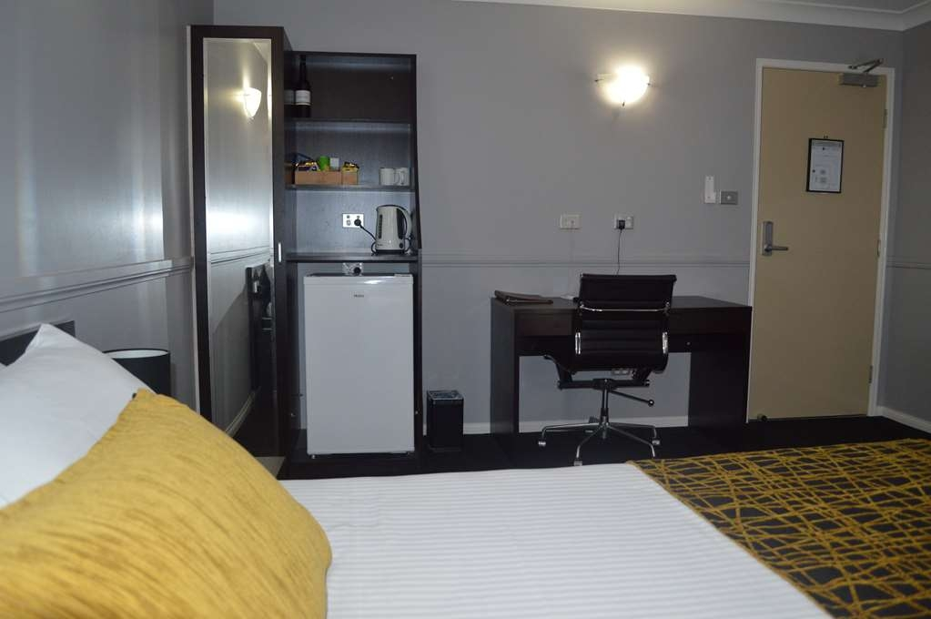 Best Western Plus The Stirling Rockhampton - Standard Queen Room