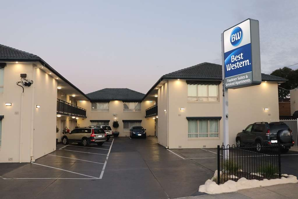 Best Western Fawkner Suites & Serviced Apartments - Façade