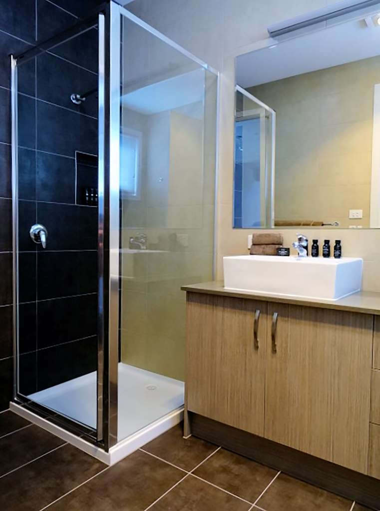Best Western Fawkner Suites & Serviced Apartments - Townhouse Central Bathroom T