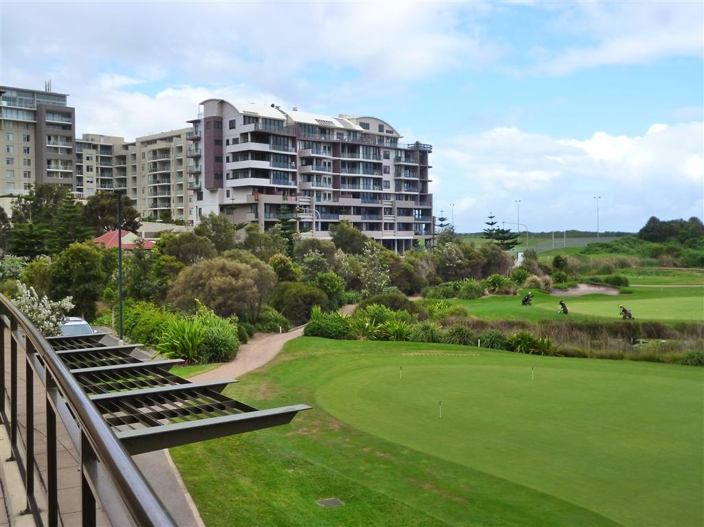 Best Western City Sands - View of Golf Course