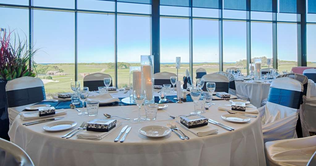 Best Western City Sands - Wollongong Golf Club offers a range of well-appointed function rooms for your special event! Our professional staff can help you organise your event from beginning to end including catering, audio visual, special requests and accommodation.