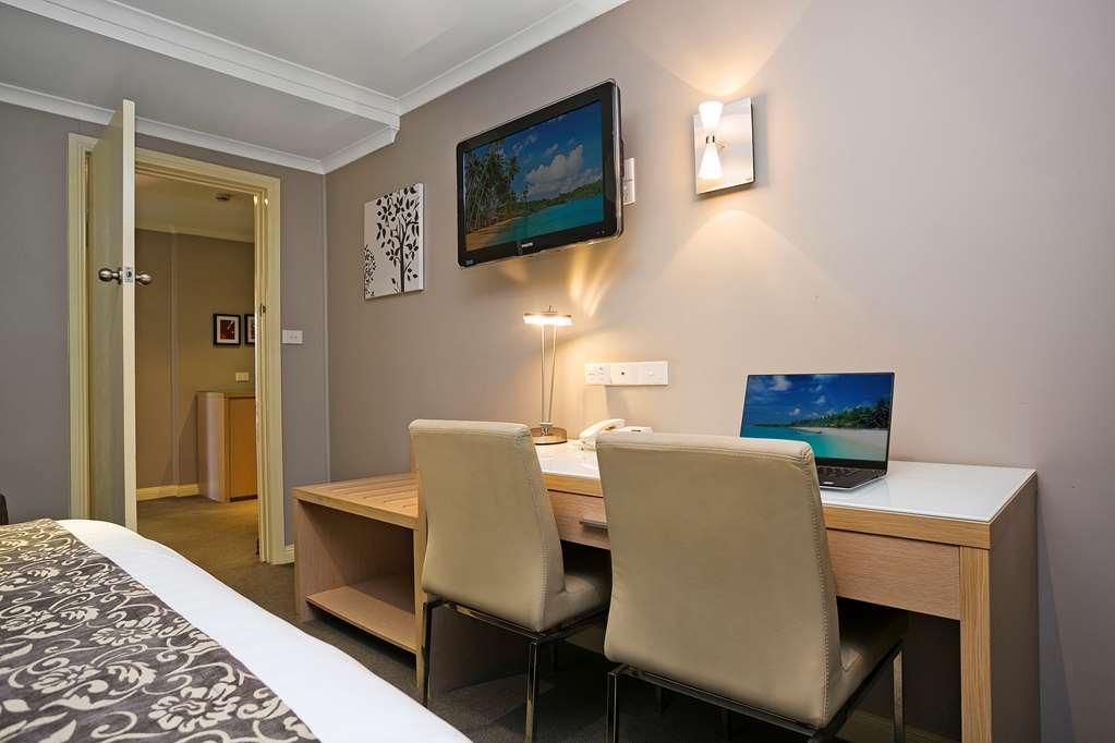 Best Western Sanctuary Inn - Two Bedroom Premier Family Room