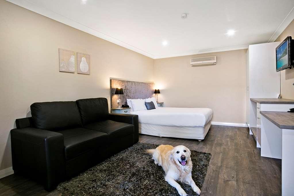 Best Western Sanctuary Inn - Pet Friendly Room