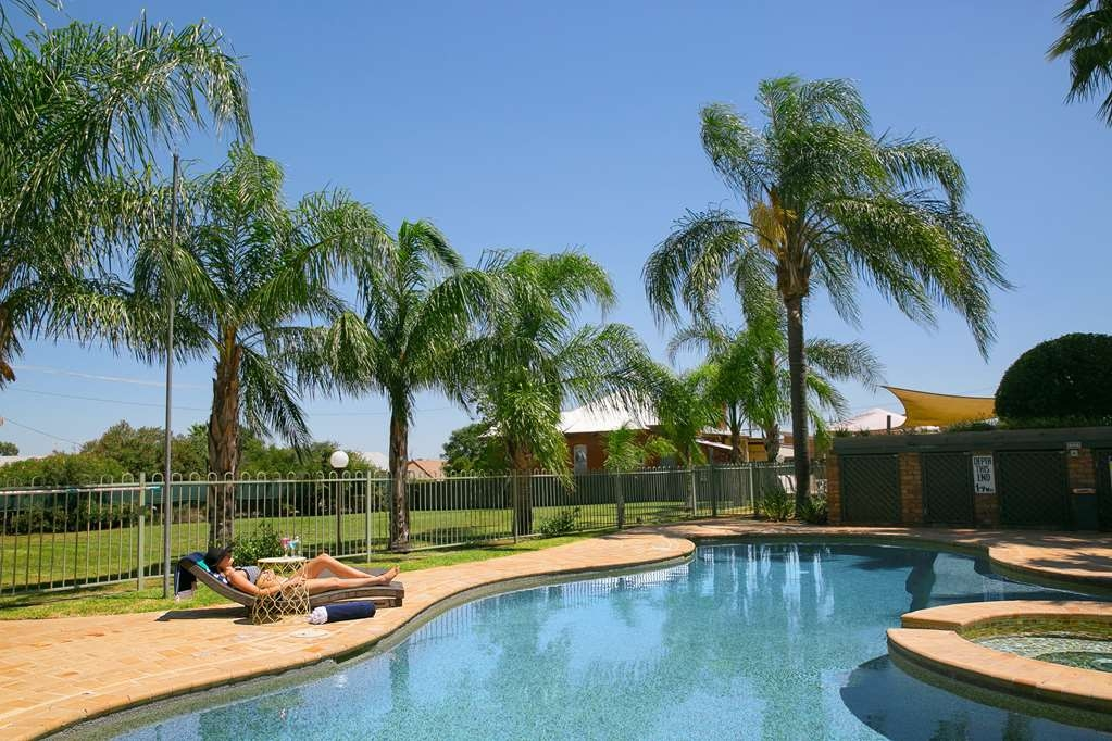 Best Western Sanctuary Inn - Piscina