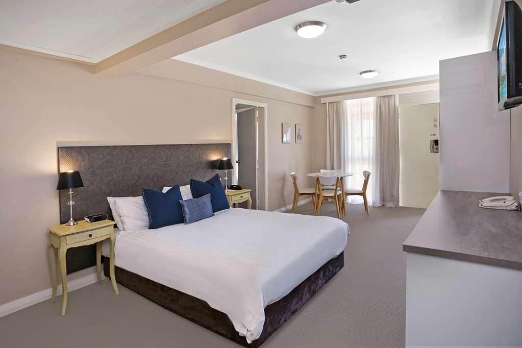 Best Western Sanctuary Inn - Two Bedroom Standard Family Room