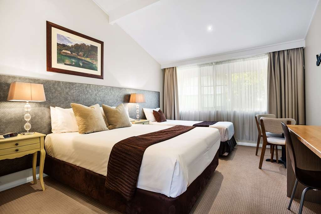 Best Western Sanctuary Inn - Premier Queen Room