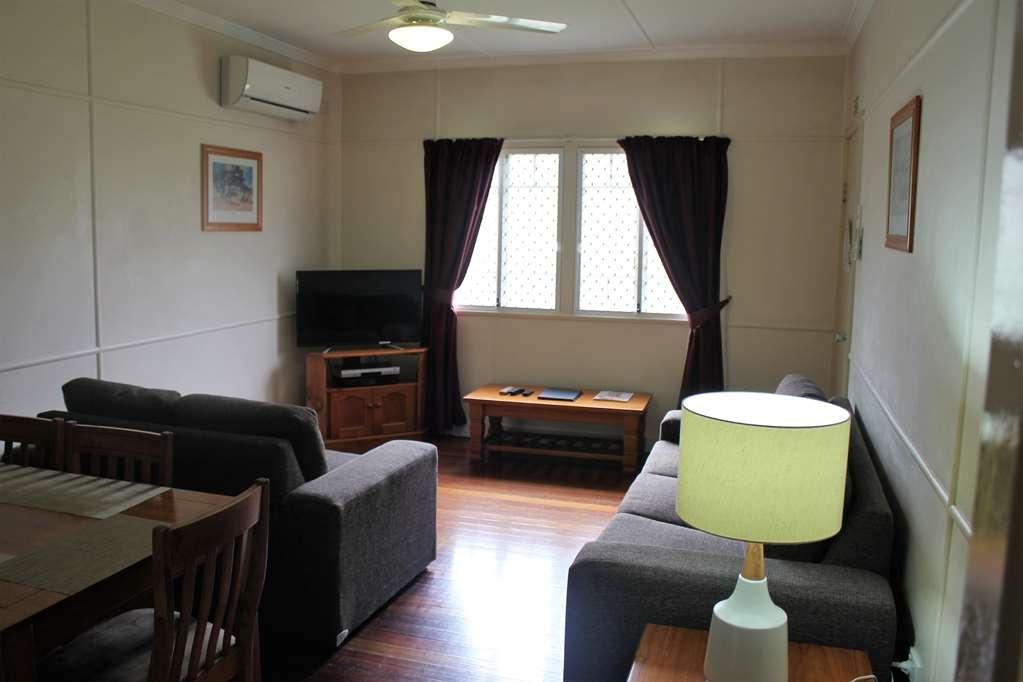 Best Western Ipswich - House - Living Room