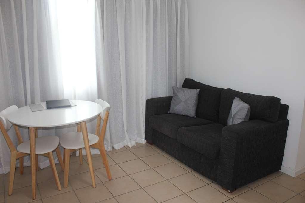 Best Western Ipswich - 1 Bed Apartment - Living Room