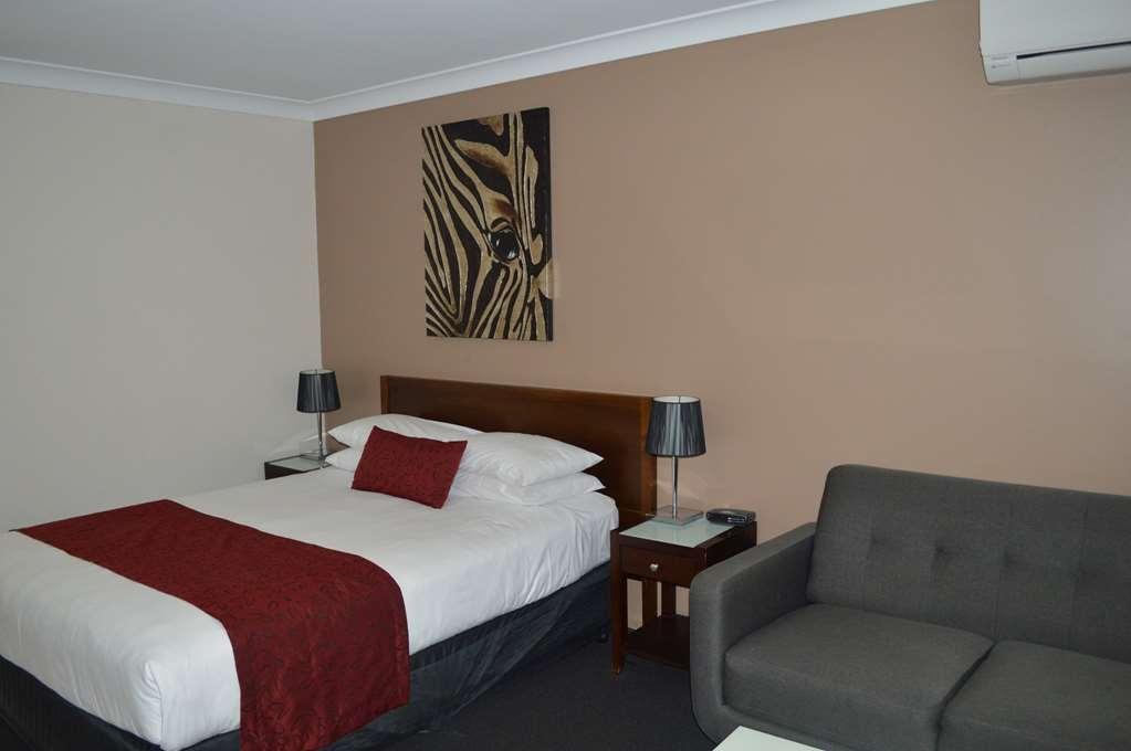 Best Western Ipswich - Queen Room
