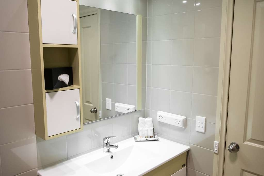 Best Western Airport Motel and Convention Centre - Salle de bain