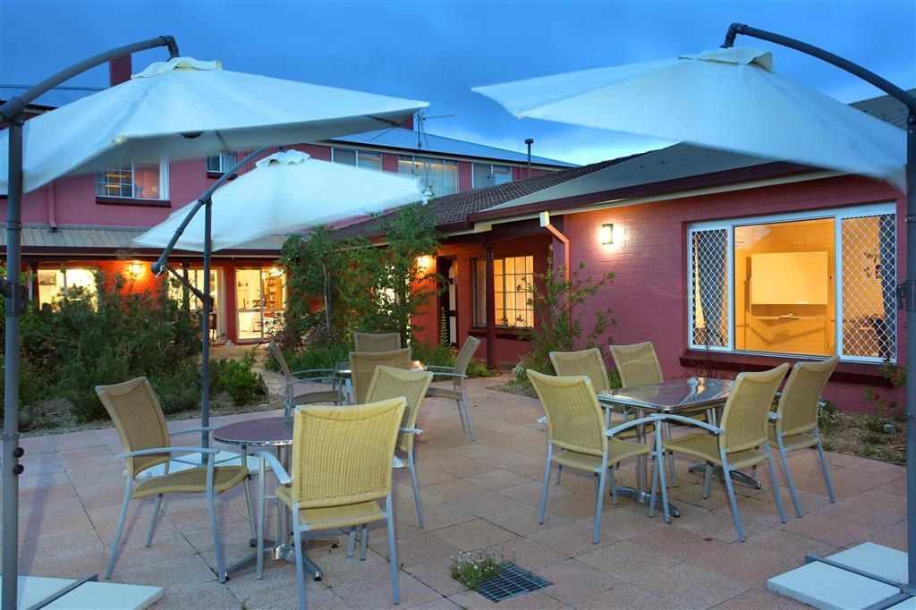Best Western The Henry Parkes Tenterfield - Courtyard