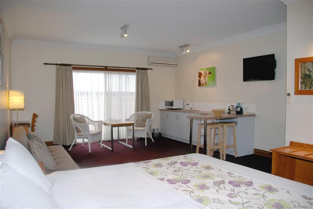 Best Western The Henry Parkes Tenterfield - Guest Room with Spa