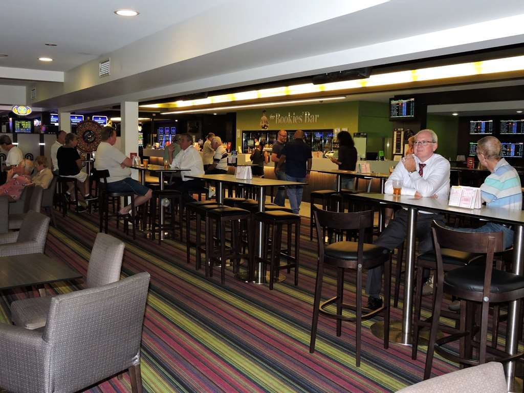Best Western Airport 85 Motel - Bar/Salón