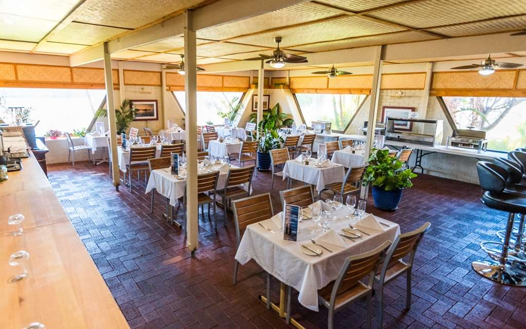 SureStay Collection by Best Western Hospitality Carnarvon - Sails Restaurant Outside Seating