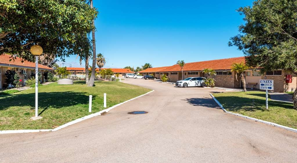SureStay Collection by Best Western Hospitality Carnarvon - front-estero