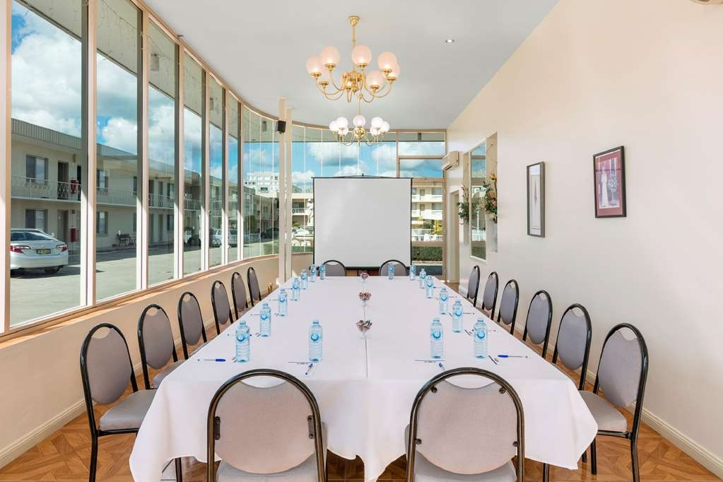 Central Motel & Apartments, Signature Collection - Conference Boardroom