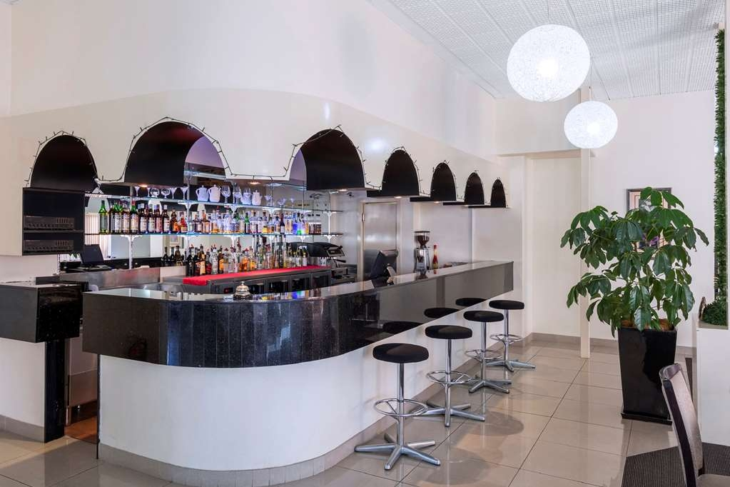 Central Motel & Apartments, Signature Collection - Bar