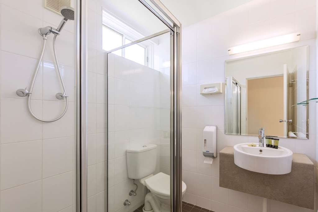 Central Motel & Apartments, Signature Collection - Bathroom