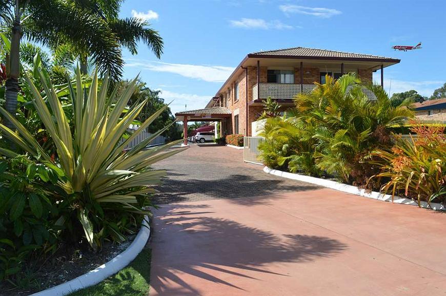 Best Western Kennedy Drive Airport Motel - Aussenansicht