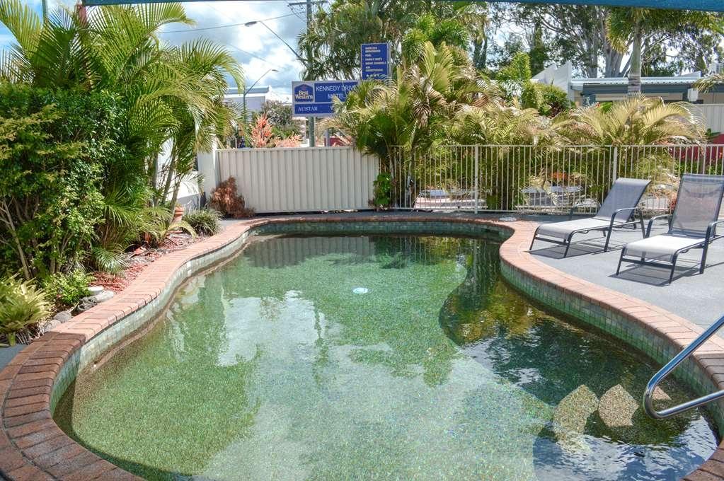 Best Western Kennedy Drive Airport Motel - Vue de la piscine