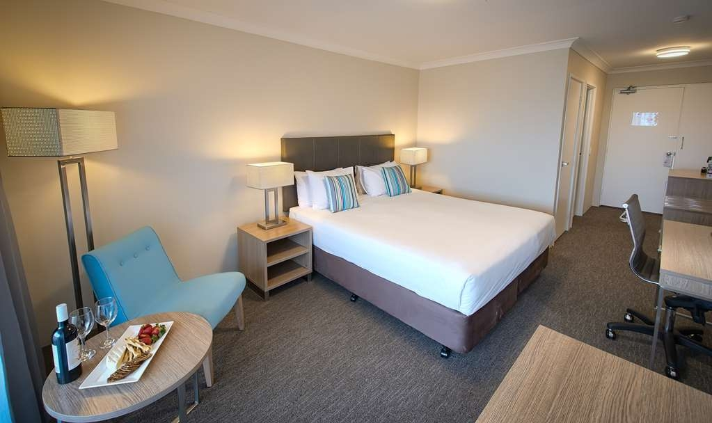 Best Western Albany Motel & Apartments - Harbour View King Room