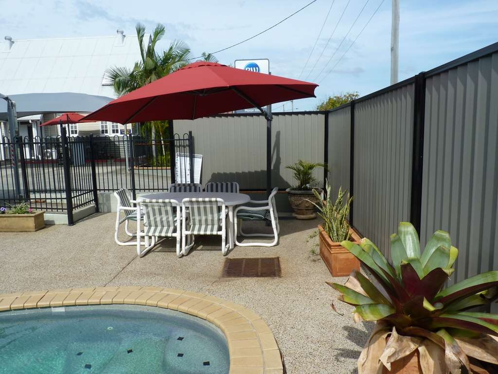 Best Western Caboolture Central Motor Inn - Enjoy a Relaxing Swim
