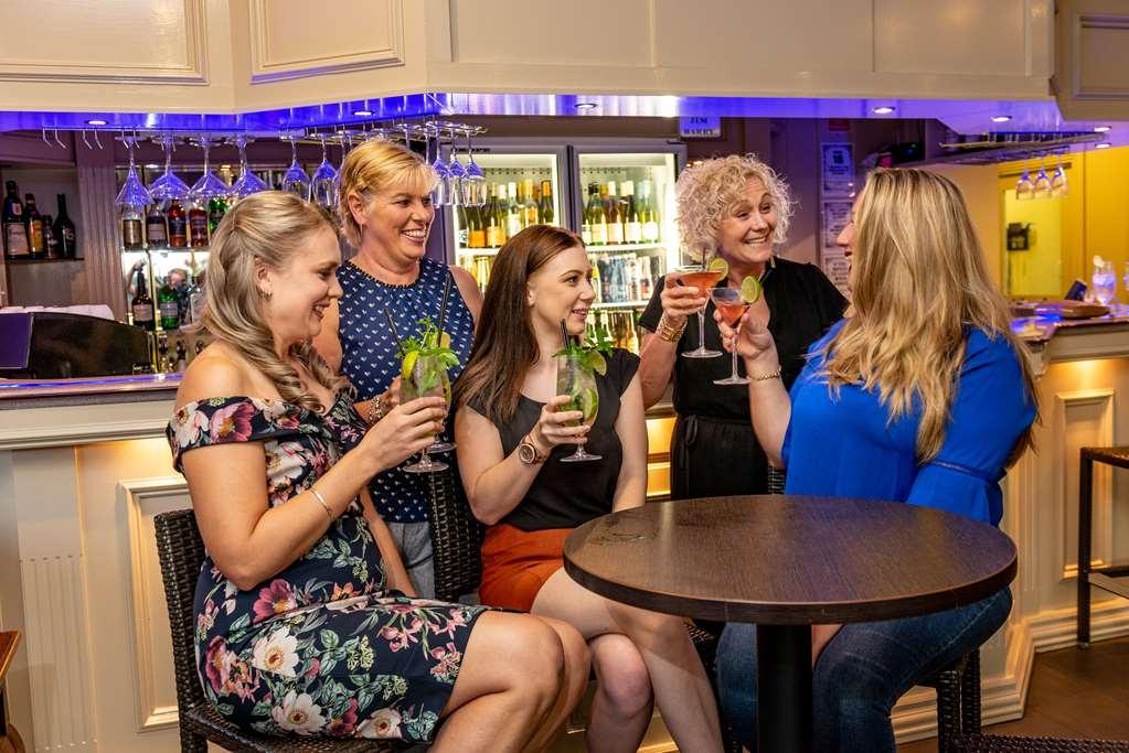 Best Western Plus Ambassador on Ruthven Motor Inn - Bar / Lounge