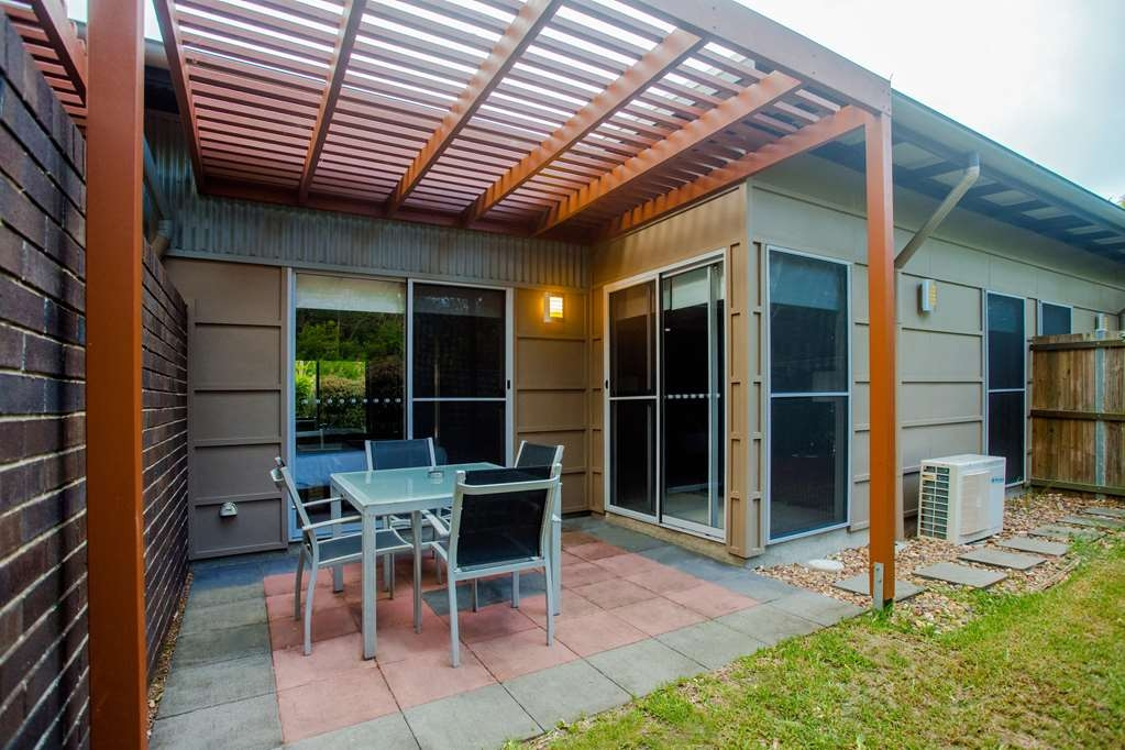 Best Western Plus Quarterdecks Retreat - One Bedroom Deluxe Villa - Private outdoor area. Ground Level, about 85m2. Mostly used as a 1 bedroom villa with the second bedroom locked off.
