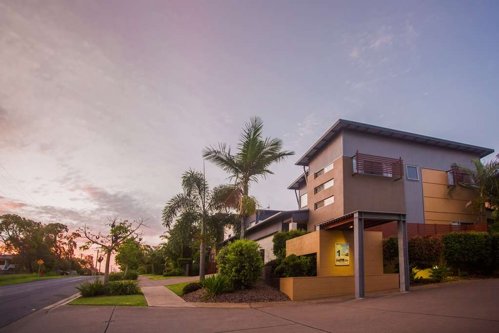 Best Western Plus Quarterdecks Retreat - Vista Exterior