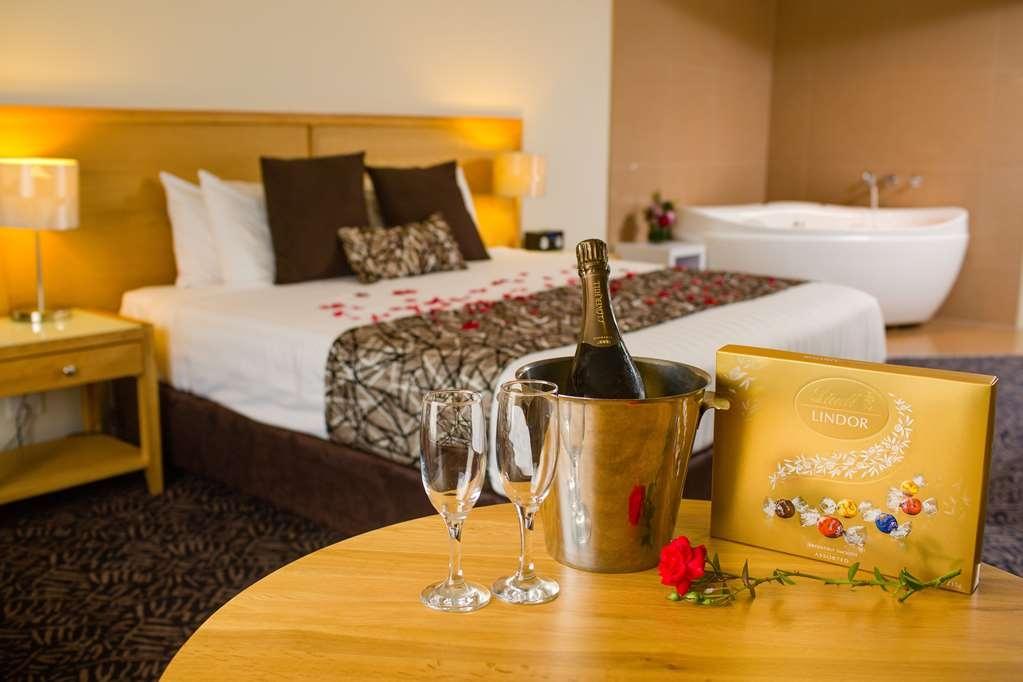 Best Western Plus Hovell Tree Inn - Suite