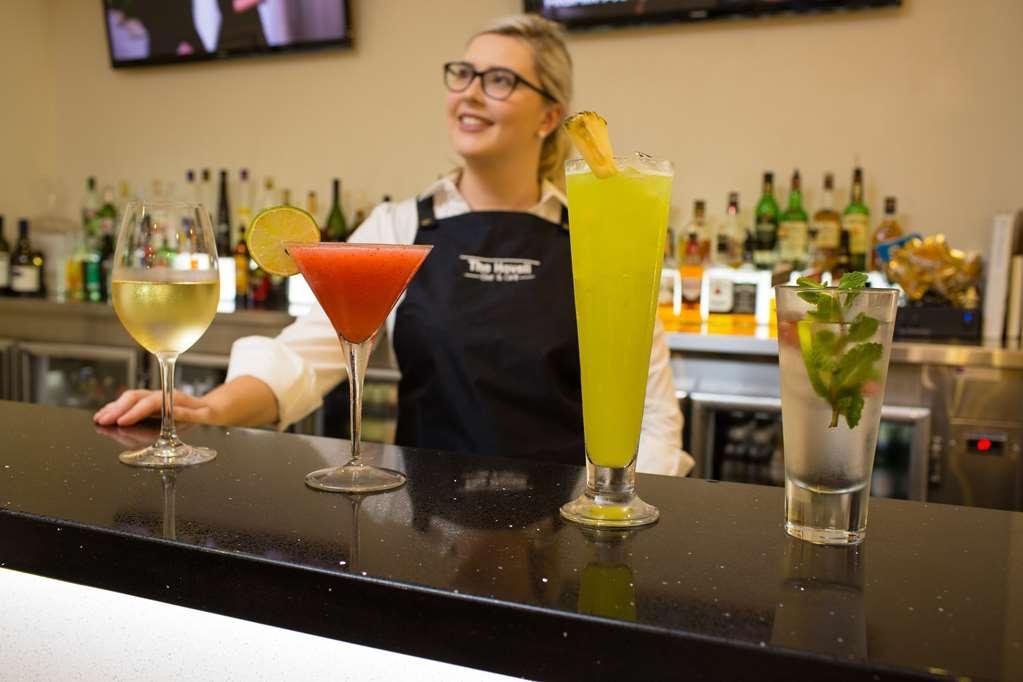 Best Western Plus Hovell Tree Inn - Bar/Lounge