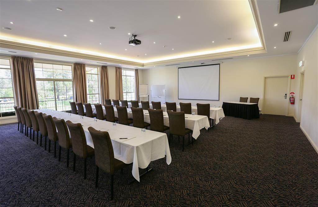 Best Western Plus Hovell Tree Inn - sala de conferencias