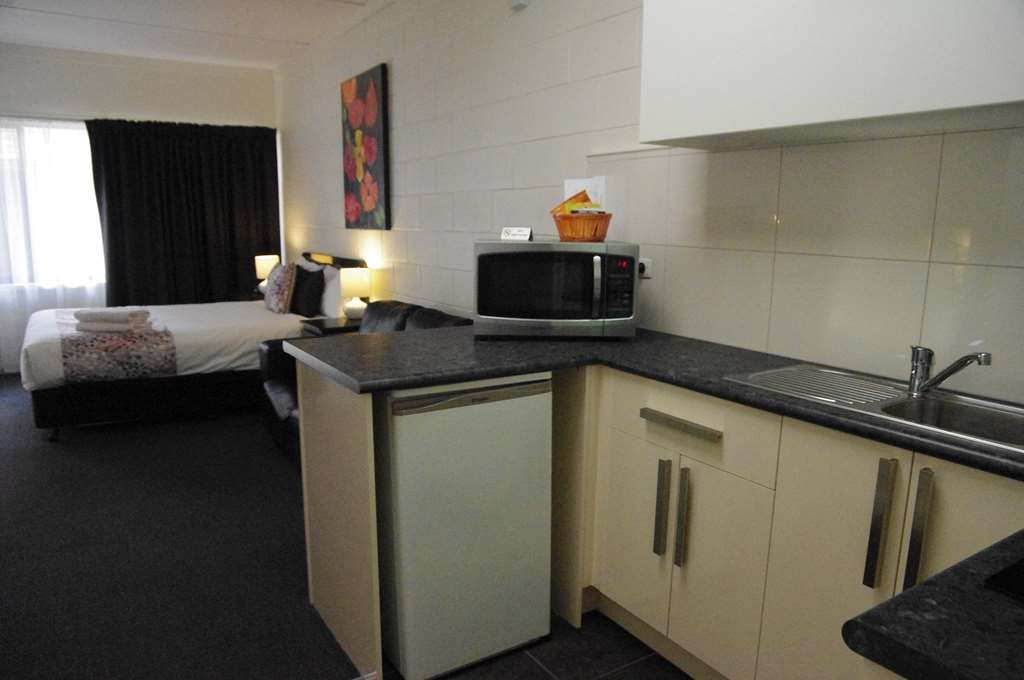 Best Western Hamilton Lakeside Motel - Apartment - Kitchenette