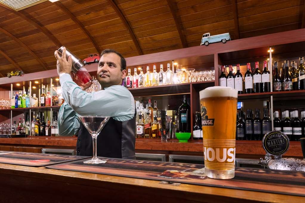 Best Western Plus Launceston - Tram Bar and Lounge Offers Weekly Specials