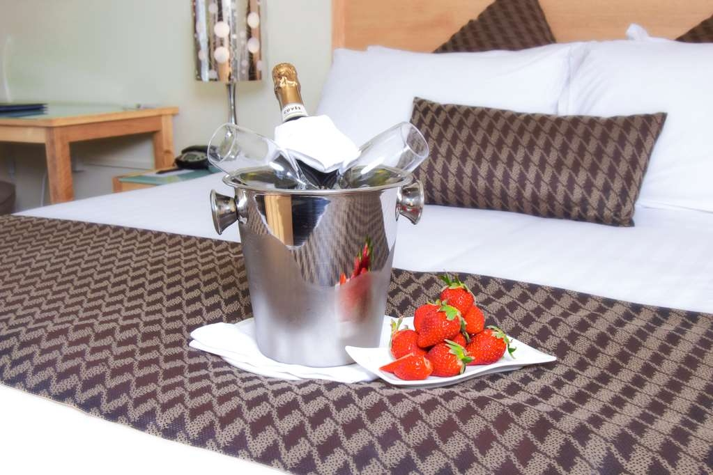 Best Western Plus Launceston - Romance Packages Available