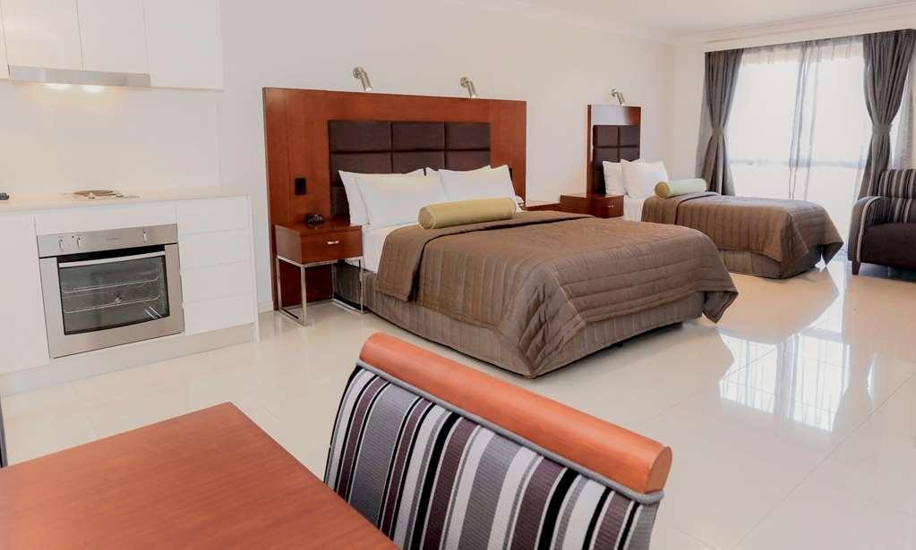 Best Western Casula Motor Inn - Guest Room