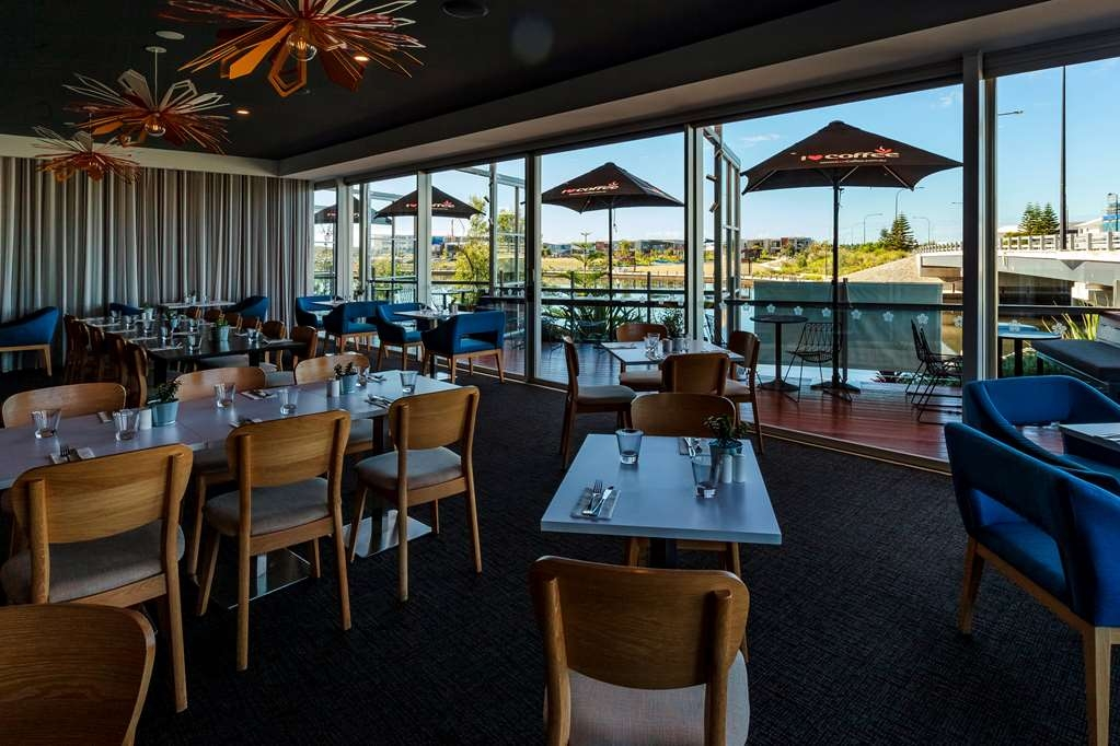 Best Western Plus Lake Kawana Hotel - Restaurant / Etablissement gastronomique