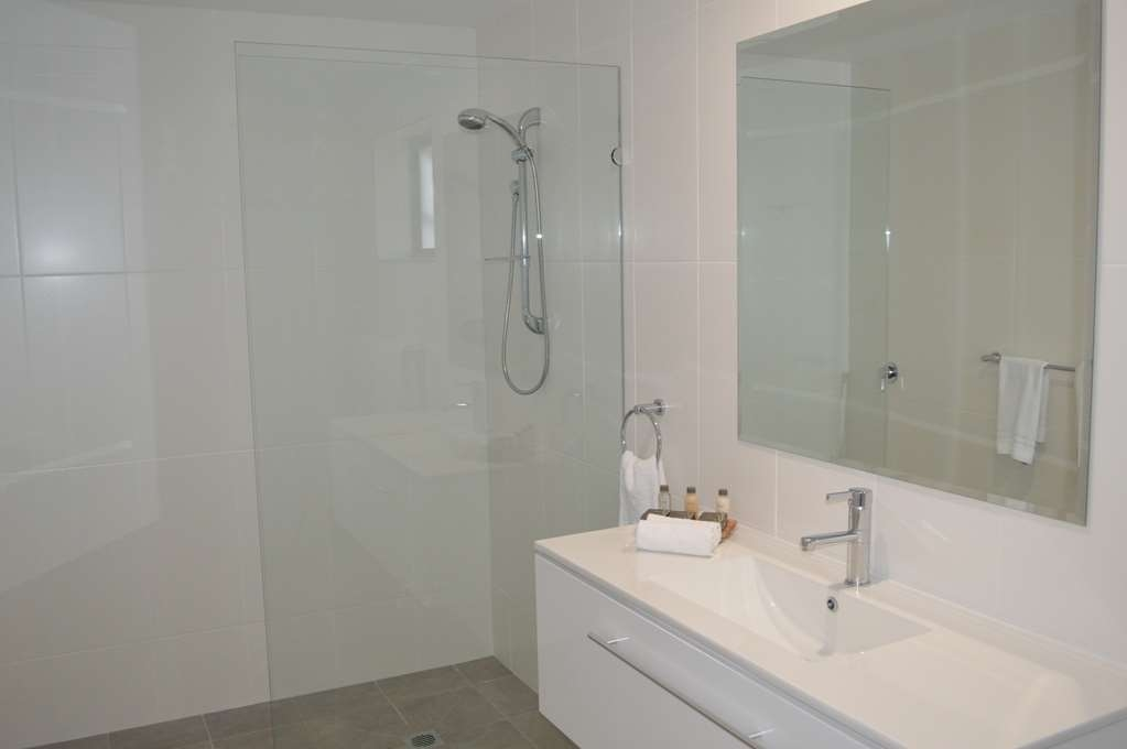 Best Western Quirindi RSL Motel - Guest Bathroom