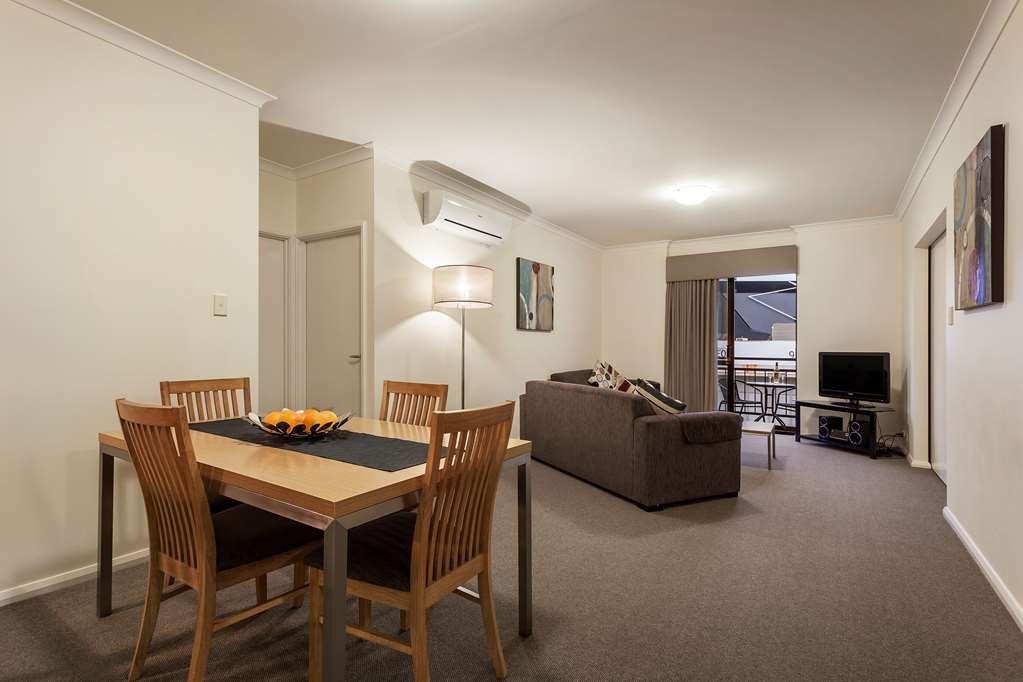 Best Western Northbridge Apartments - Two Bedroom Apartment Living and Dining