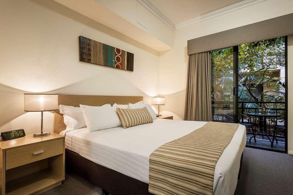 Best Western Northbridge Apartments - One Bedroom Apartment Bedroom