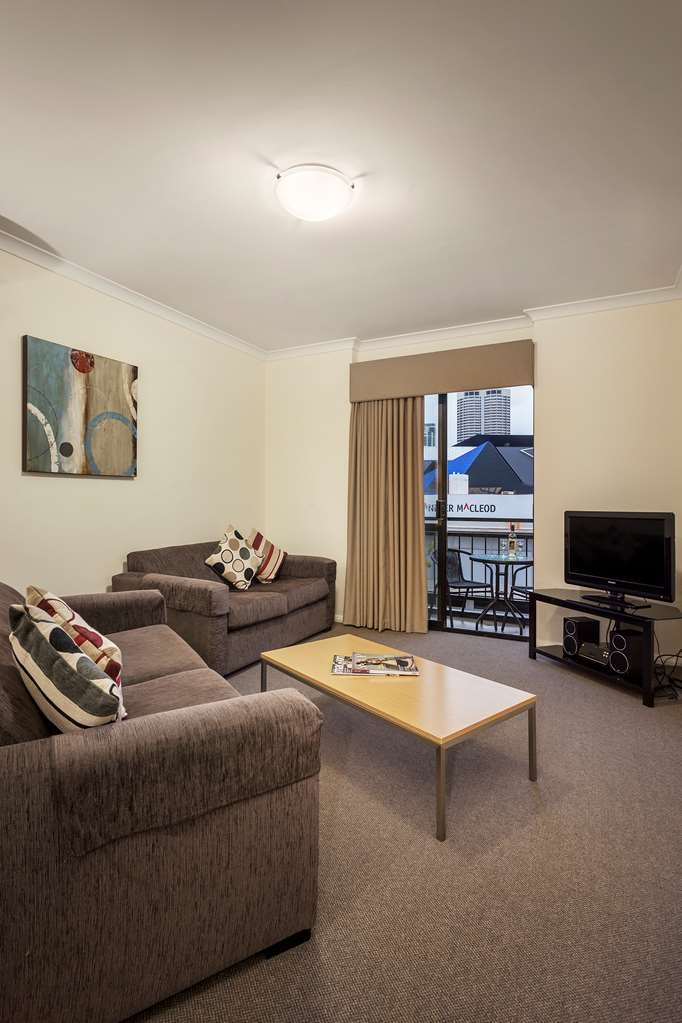 Best Western Northbridge Apartments - Two Bedroom Apartment Living Room
