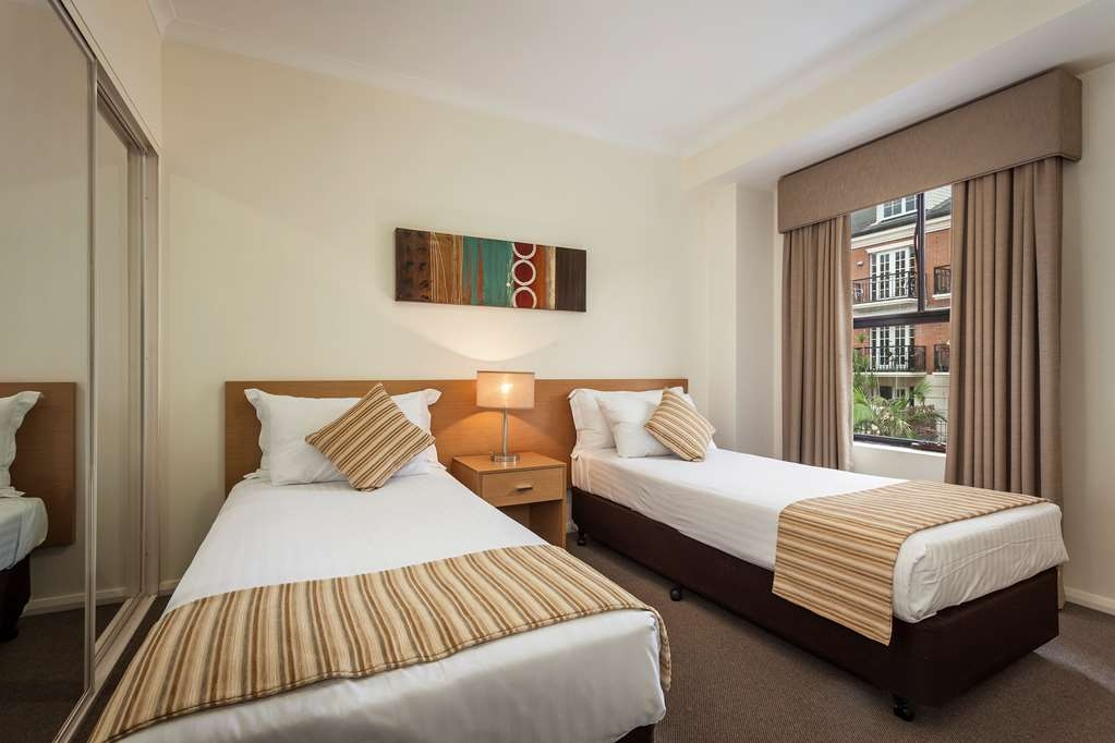 Best Western Northbridge Apartments - Three Bedroom Apartment Second Bedroom
