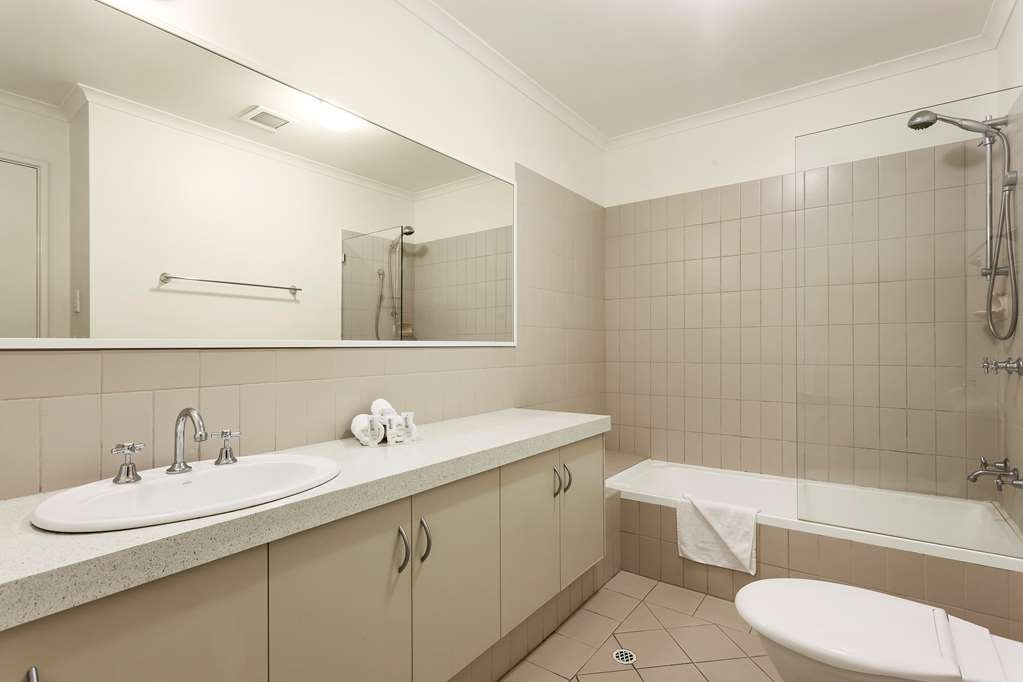 Best Western Northbridge Apartments - Baño